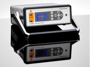 Pressure calibrator / for mobile applications / industrial / laboratory - 100 Pa, ± 0.1 - 0.3 % | Pneumator